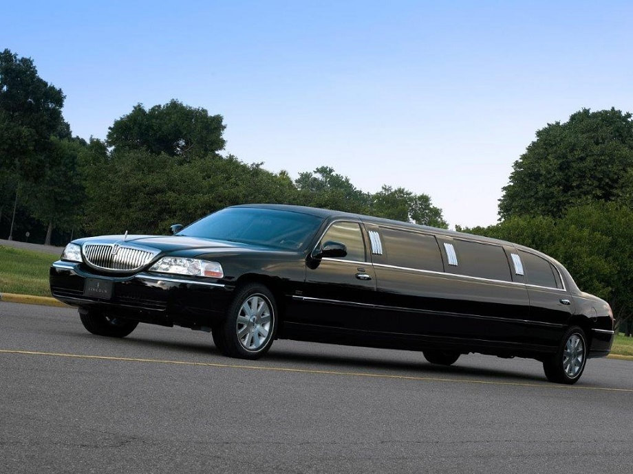 Black Limo for Wine Tour